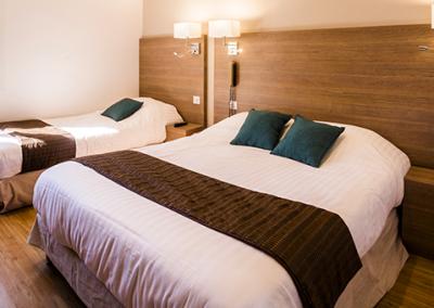 HOTEL LE COURS 153-chambre-triple